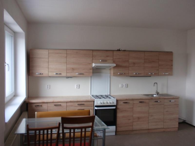Pronájem rekonstruovaného bytu 2+kk ve Skoronicích