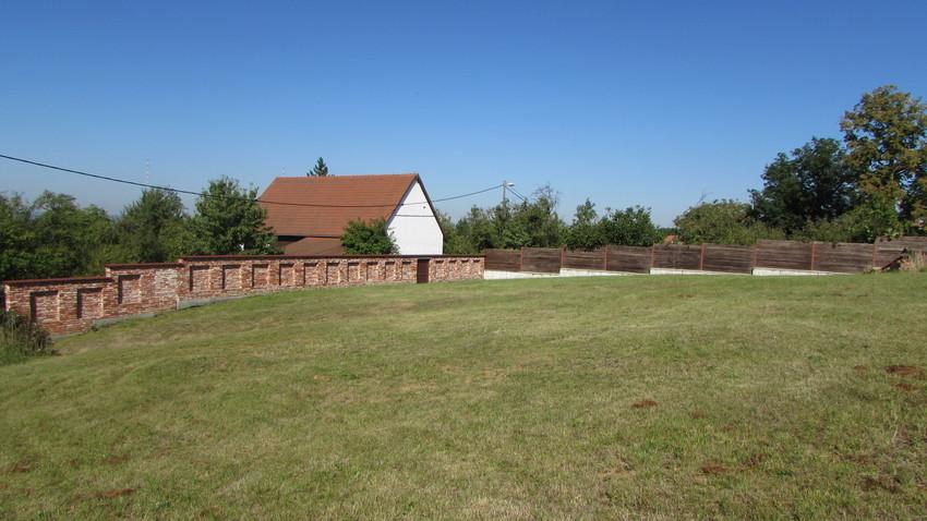 Stavební pozemek, Topolná